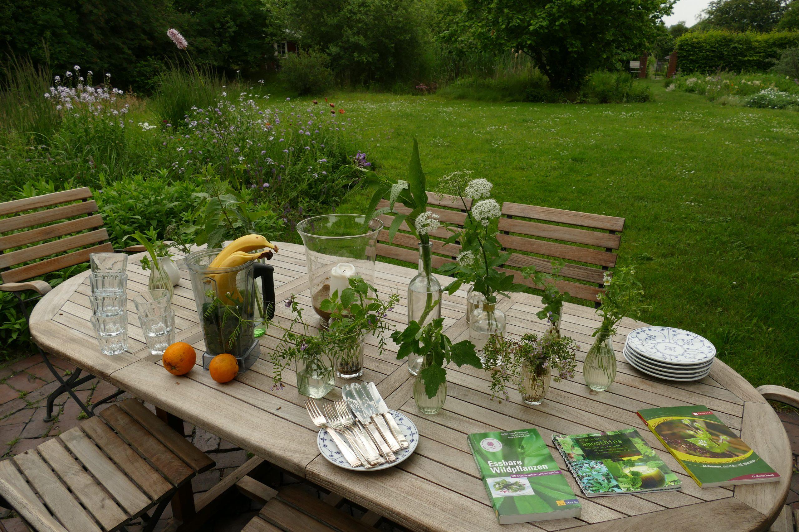 Wildkräuterkurse-Tisch